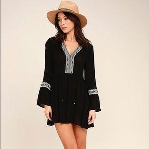 Lulu's | Black and white Emb dress | XS